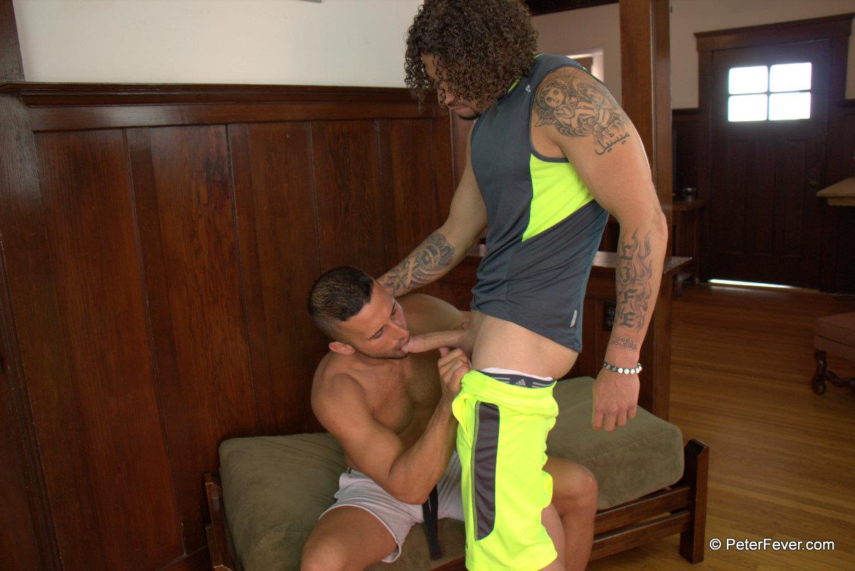 Peter-Fever-Diego-Vena-gets-fucked-by-TY-Muscle-Guys-Fucking-Amateur-Gay-Porn-10 Muscular Best Friends Playing Football At The Beach And Then Fucking